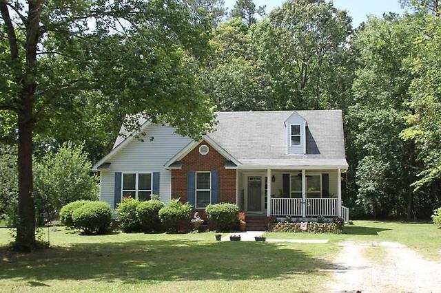 208 Grant Ct, Selma, NC