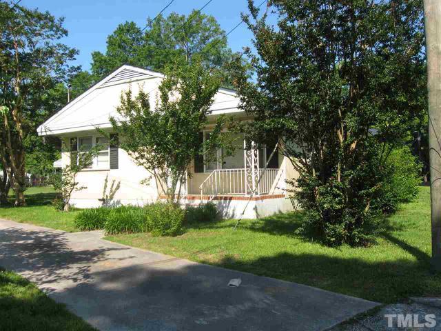335 W Barnes St, Clayton NC 27520
