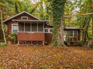 5 Laurel Ivy Ln, Hendersonville NC 28791