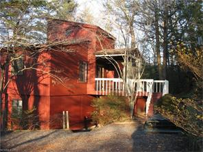297 Hillcrest Cir, Spruce Pine, NC