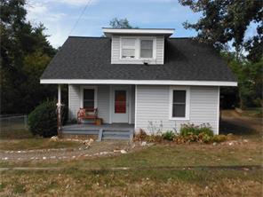 141 Dewey Ave, Canton NC 28716