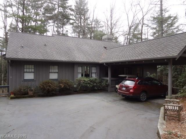 251 Upper Whitewater Rd #APT 33, Sapphire NC 28774