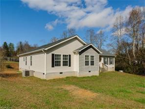 32 Hibiscus Hl, Hendersonville NC 28792