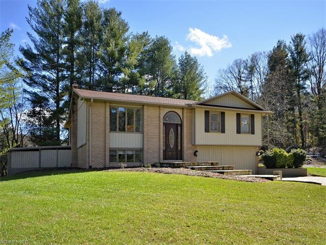 523 Whispering Hills Dr, Hendersonville NC 28792