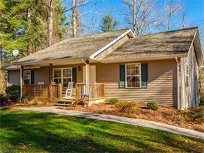 120 Twin Brook Dr, Hendersonville, NC