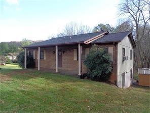 131 Kingswood Dr #APT 35, Hendersonville NC 28792