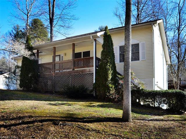 108 N Briarcreek Ct, Hendersonville, NC