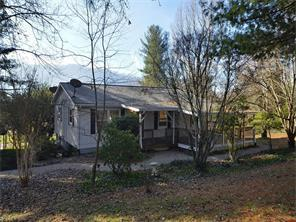 399 James St, Clyde NC 28721