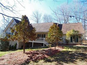 601 Sunlight Ridge Dr, Hendersonville NC 28792