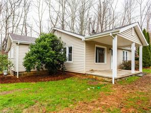 12 Misty Ln, Candler, NC