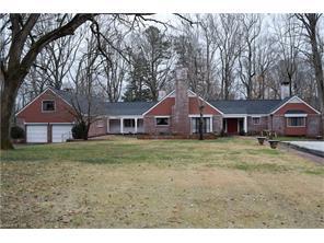 534 Howard Gap Rd, Tryon, NC
