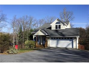 13 Ridge Runner Ln, Asheville, NC