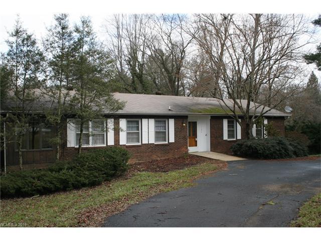 1194 Glenheath Dr, Hendersonville NC 28791