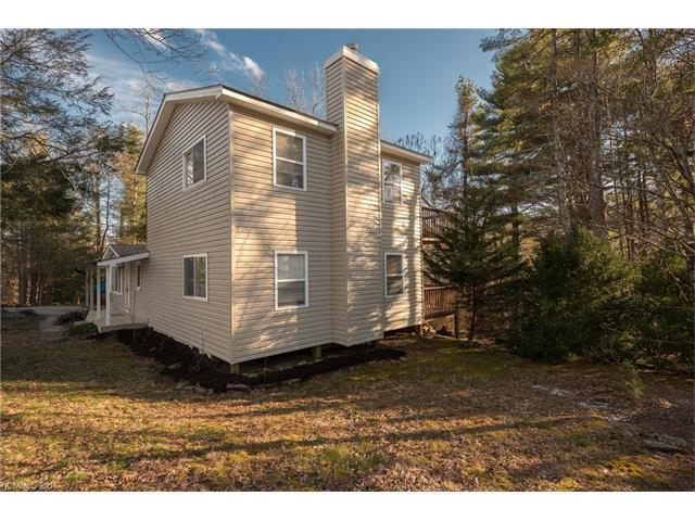 1447 Mount Olivet Rd, Zirconia, NC