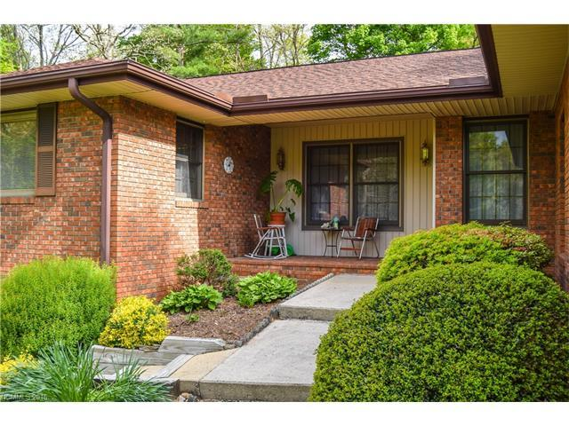 135 Sweetwater Hills Dr #APT 35, Hendersonville NC 28791