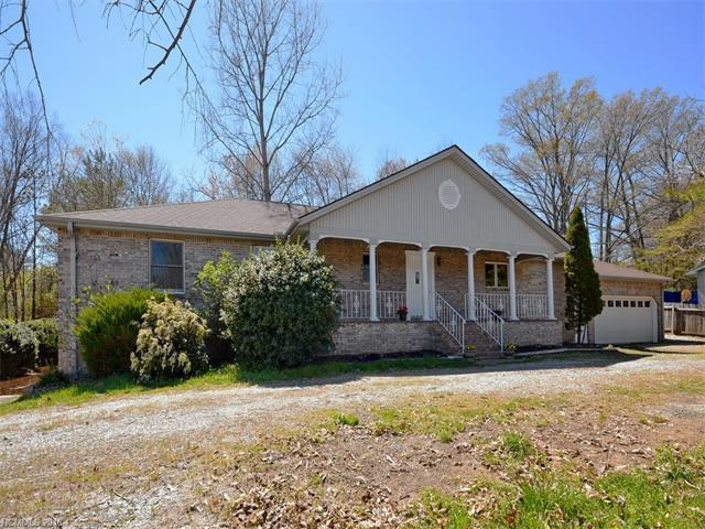 104 Shelly Dr Hendersonville, NC 28792