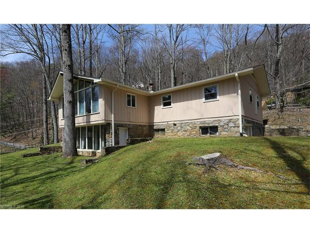 198 Red Oak Dr, Maggie Valley NC 28751