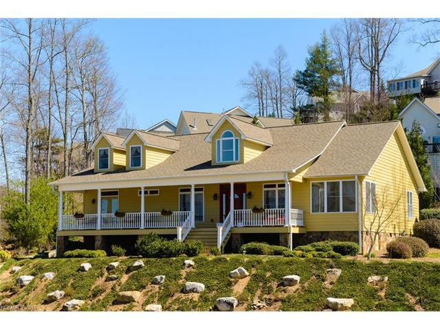 31 Carriage West Dr, Hendersonville NC 28791