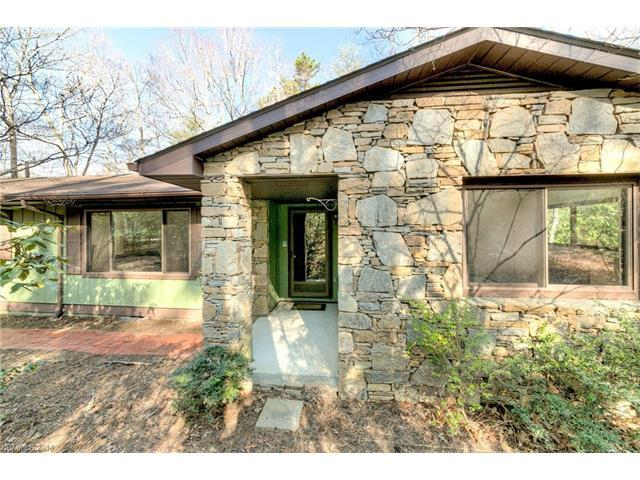 201 Brightwater Heights Dr, Hendersonville NC 28791