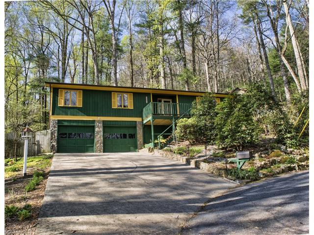 321 Woodlands Trail Trl, Hendersonville, NC