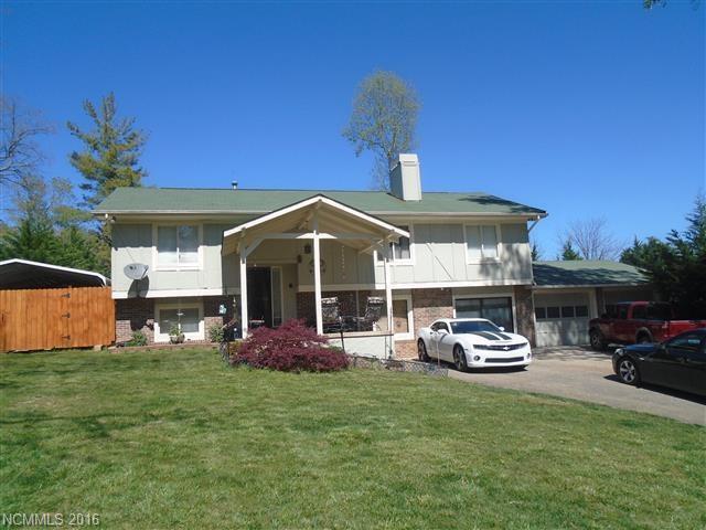 43 Golden Oaks Ln, Fletcher NC 28732