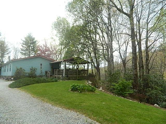 1338 Golden Rd, Lake Toxaway, NC