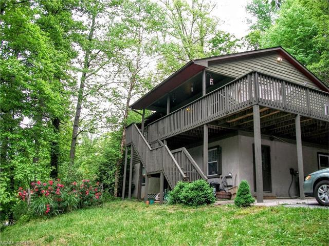 4 Scenic View Dr Hendersonville, NC 28792