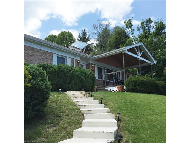 527 Little Mountain Rd, Waynesville, NC
