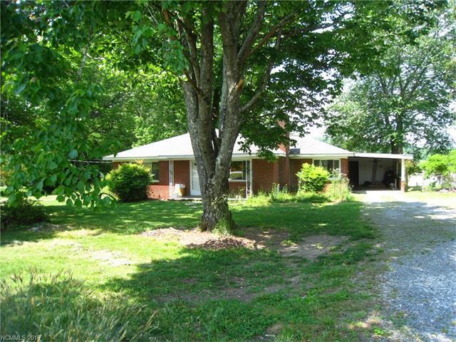 331 Etowah School Rd, Hendersonville, NC
