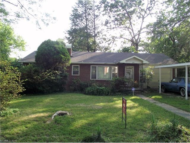 833 Whitted St Hendersonville, NC 28739