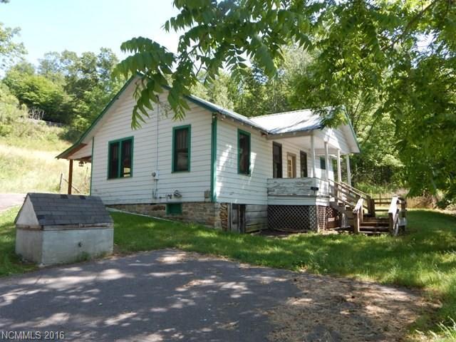 231 Prices Creek Rd Burnsville, NC 28714