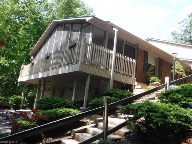 422 Deerhaven Ln Hendersonville, NC 28791