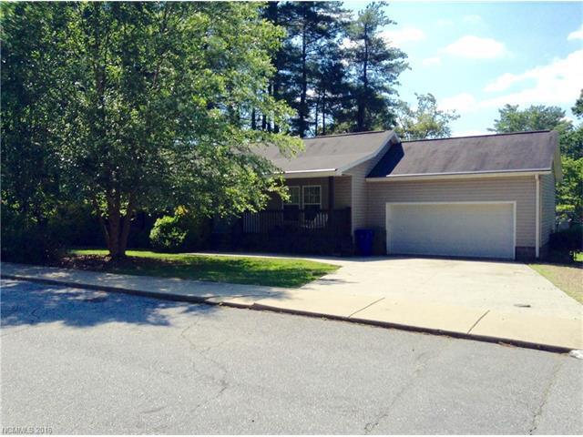 1010 Cherokee Dr #17-19 Hendersonville, NC 28739