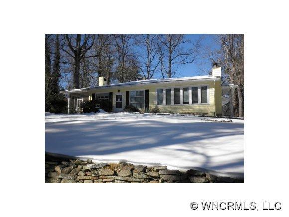 226 Crystal Springs Dr, Hendersonville, NC