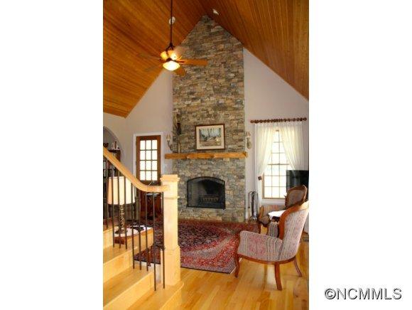 389 Upper Thomas Branch Rd, Marshall NC 28753