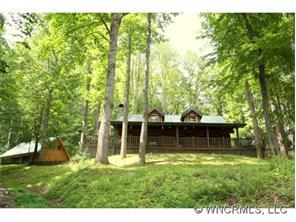 682 Rock House Rd, Hot Springs NC 28743