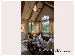 21 Greenmont Dr Asheville, NC 28803
