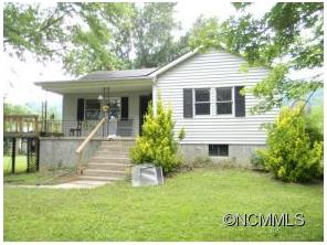 142 Mulberry Ln, Canton, NC