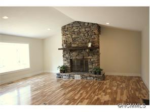 702 Price Rd, Hendersonville NC 28739