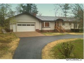 702 Price Rd, Hendersonville, NC