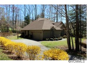 115 White Water Dr, Hendersonville, NC