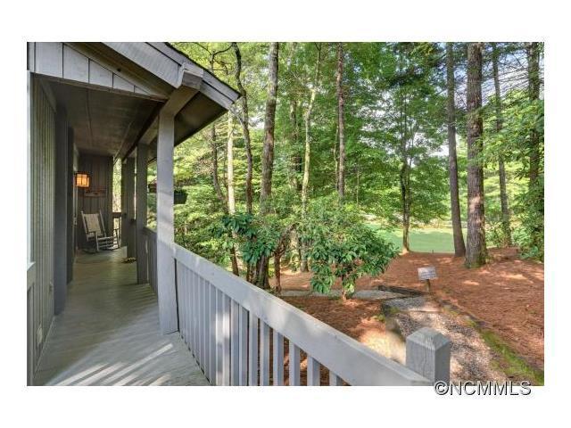 146 Fairway Villas Dr Sapphire, NC 28774