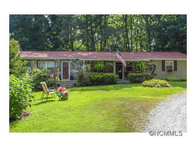 2822 Howard Gap Rd, Hendersonville NC 28792