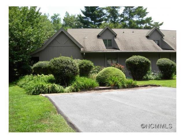 97 Fairway Villas Dr #a Sapphire, NC 28774