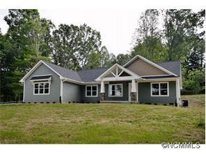 403 Whispering Hills Dr, Hendersonville NC 28792