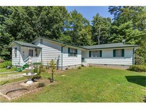 915 Holbert Rd, Hendersonville NC 28791