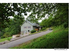 26 Shady Oaks Dr, Franklin, NC