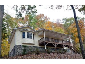 760 Redfield Dr, Clyde, NC