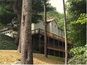 15 Weston Heights Dr, Asheville, NC