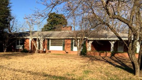 317 E Commercial Ave, Stantonsburg, NC 27883
